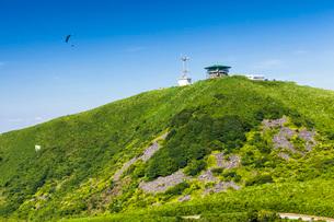 寒風山の山頂展望台の写真素材 [FYI03850701]