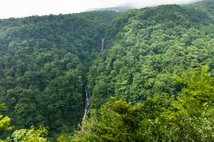 蔵王町の三階滝の写真素材 [FYI03850718]