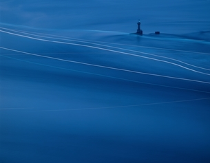 灯台と光(来島海峡 ) 愛媛の写真素材 [FYI03851937]