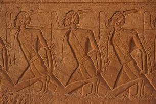 アブ・シンベル神殿の壁画 エジプトの写真素材 [FYI03852267]