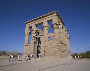 トラヤヌス帝 キオクス  フイラエ島 エジプトの写真素材 [FYI03852888]