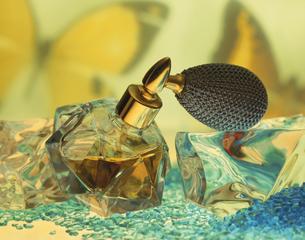 香水瓶の写真素材 [FYI03853235]