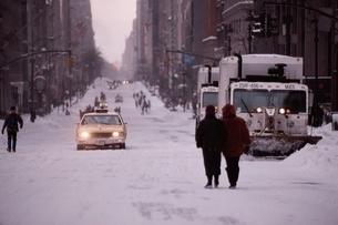 大雪の日のニューヨーク アメリカの写真素材 [FYI03853952]