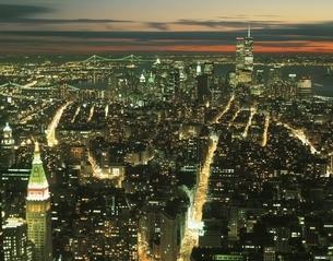 エンパイアステイトビルからのマンハッタン夜景 アメリカの写真素材 [FYI03854014]