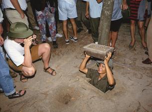 地下トンネル  クチ ベトナムの写真素材 [FYI03854266]