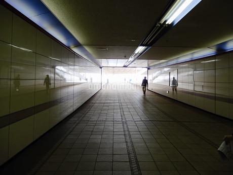 地下通路の写真素材 [FYI03854733]