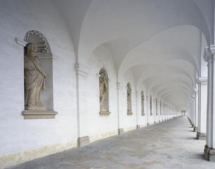 回廊の写真素材 [FYI03854927]