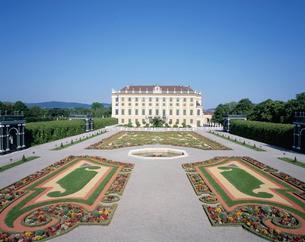 シェーンブルン宮殿の皇太子の庭の写真素材 [FYI03854944]
