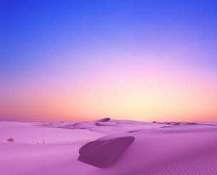 砂丘の夜明けの写真素材 [FYI03855095]