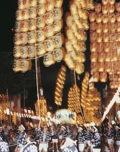 竿灯祭り 8月 秋田県の写真素材 [FYI03855609]