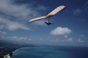 ハンググライダーの写真素材 [FYI03856650]