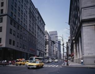 5番街の街並み ニューヨーク アメリカの写真素材 [FYI03856705]