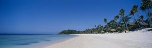 ノースビーチとマナ島の海     フィジーの写真素材 [FYI03856869]