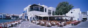 ミコノスタウンのタベルナ  ミコノス島 ギリシャの写真素材 [FYI03856943]