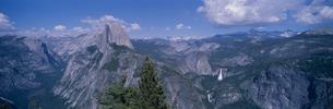 グレイシャー・ポイントからハーフドーム ヨセミテ国立公園の写真素材 [FYI03856988]