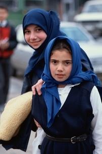 少女 イスタンブール トルコの写真素材 [FYI03857408]