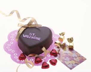 バレンタインのチョコレートケーキの写真素材 [FYI03857725]