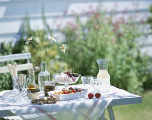 ガーデンランチ トマトとメレンゲの写真素材 [FYI03858820]