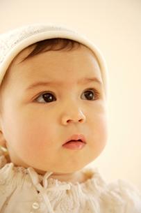 赤ちゃんの顔アップの写真素材 [FYI03859052]