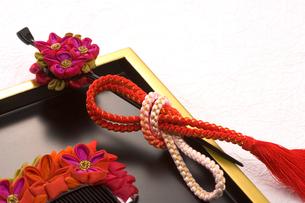 花かんざしと櫛の写真素材 [FYI03859136]