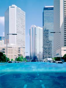 浸水するビル街の写真素材 [FYI03859457]