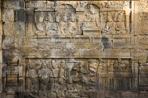 ボロブドゥール寺院のレリーフの写真素材 [FYI03860095]