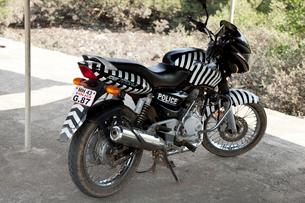 インドの警察用バイクの写真素材 [FYI03860131]