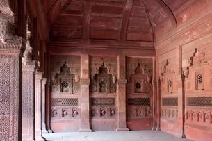 アーグラ城のジャハーンギール宮殿の写真素材 [FYI03860204]