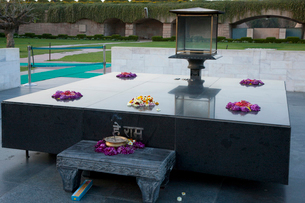 ラジガートのガンジー火葬の地の写真素材 [FYI03860232]