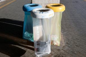 分別収集ゴミ箱 サンタルチア駅の写真素材 [FYI03860343]