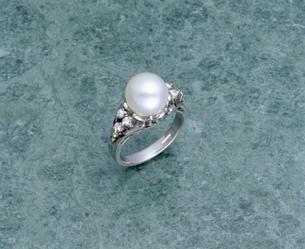真珠の指輪の写真素材 [FYI03860526]