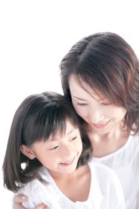 母と娘の写真素材 [FYI03860601]