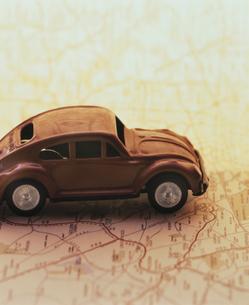 地図と車の写真素材 [FYI03861704]