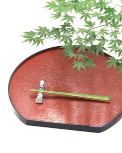 箸とモミジの写真素材 [FYI03861807]
