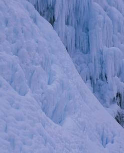 厳冬の米子瀑布の氷瀑 須坂市 長野県の写真素材 [FYI03862205]