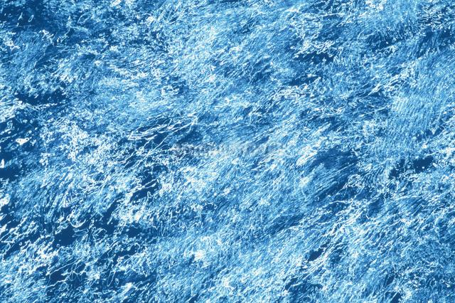 輝く水面の写真素材 [FYI03862954]