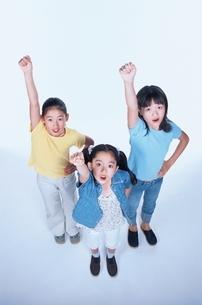 女子小学生3人の写真素材 [FYI03863316]