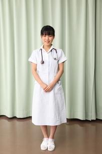 女性看護師 の写真素材 [FYI03863940]