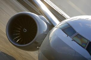 旅客機の写真素材 [FYI03867650]