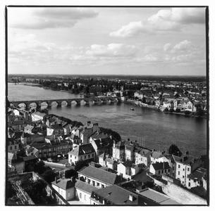 ロワール河周辺の風景 トゥール フランスの写真素材 [FYI03867666]
