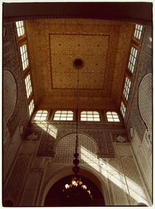 グランモスクの内装 メクネス モロッコの写真素材 [FYI03867707]