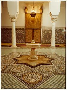 グランモスクの内装 メクネス モロッコの写真素材 [FYI03867710]