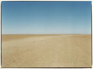 砂利道の風景   エルフード モロッコの写真素材 [FYI03867712]