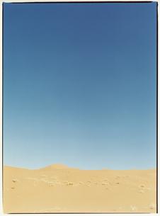 青空とサハラ砂漠 モロッコの写真素材 [FYI03867720]
