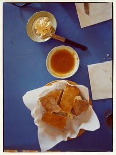 パンとジャムとバターの写真素材 [FYI03867728]