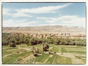 カスバ街道の町並み ティネリール モロッコの写真素材 [FYI03867752]