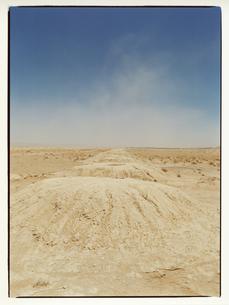 カスバ街道と地平線 モロッコの写真素材 [FYI03867760]