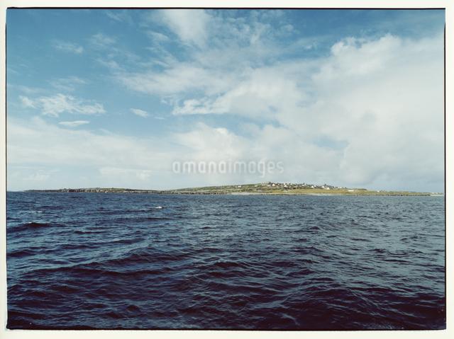 海と島     イニシューマン島 アラン諸島 アイルランドの写真素材 [FYI03867773]