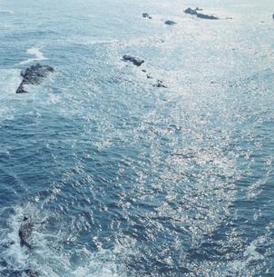 光の輝く海の写真素材 [FYI03868582]