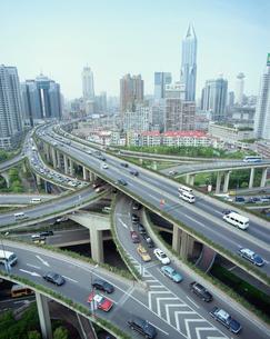 上海の立体道路の写真素材 [FYI03868759]